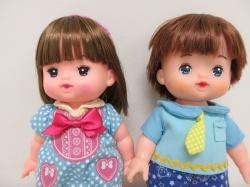 仲良しなお人形